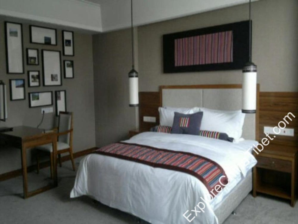 Qomo Langzong Hotel Deluxe Queen Room 2