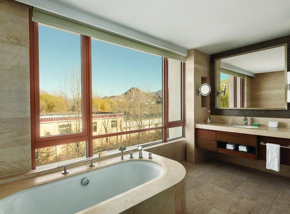 Shangri-La Lhasa Hotel overview 2