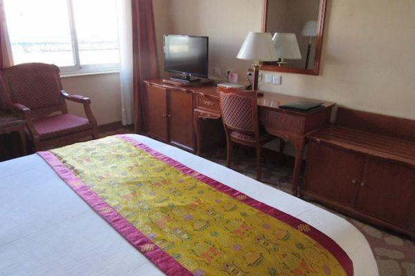 Tsetang Hotel Deluxe Suite