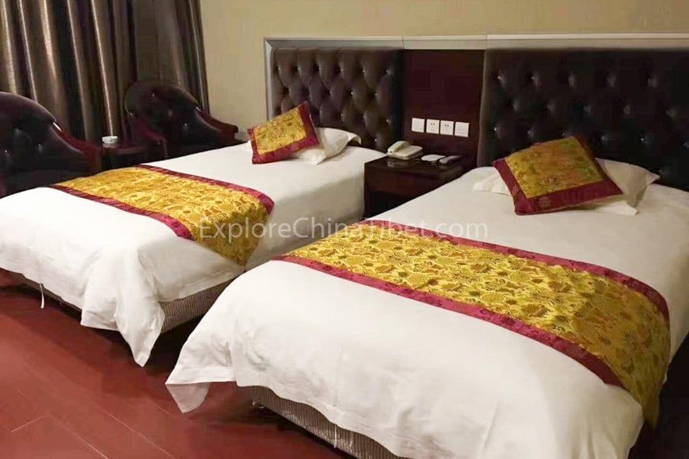 Tsetang Hotel Deluxe Standard Room