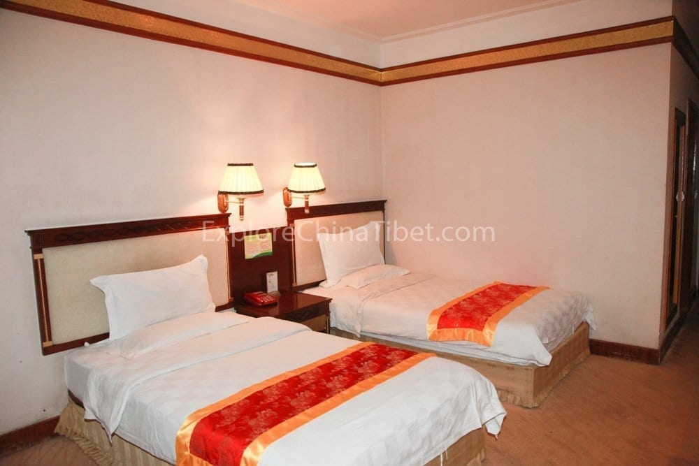 Tsetang Yulong Holiday Hotel Deluxe Twin Room