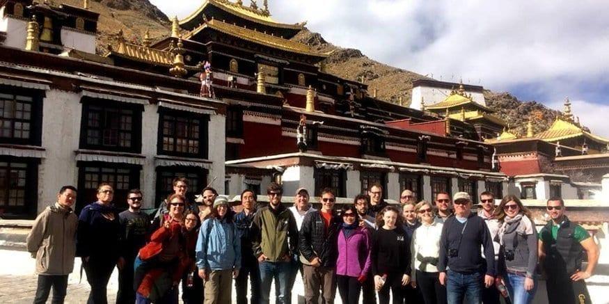 Tashilhunpo monastery tour