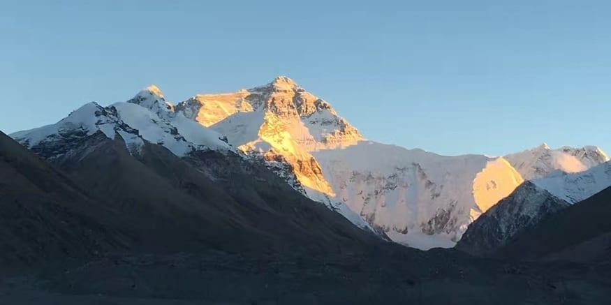 Tibet Himalayas-view to Mt Everest