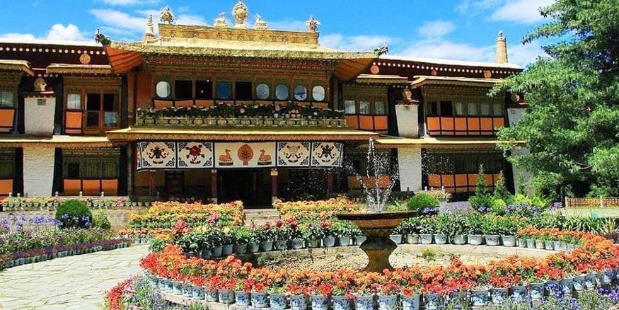 Lhasa tour Norbulinka Palace