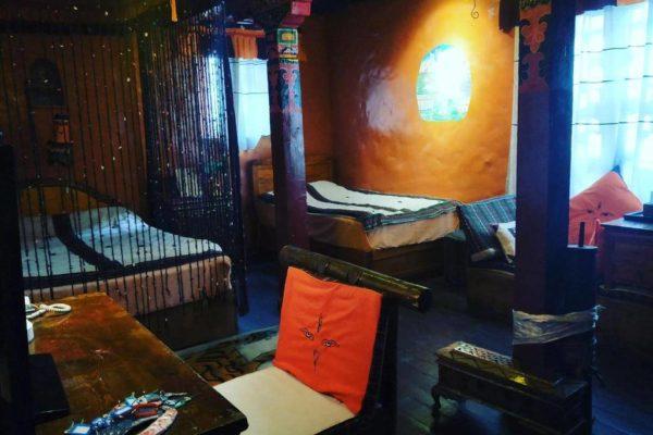 Shambhala Palace Hotel Xiuxing Twin Double Room