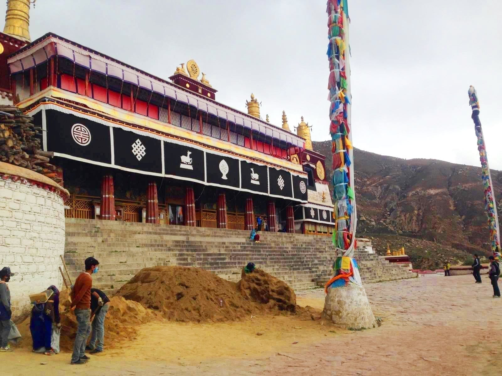 Visit Drepung Monastery-highlight monastery in Tibet