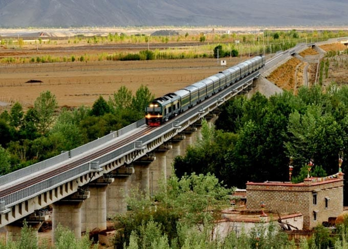 Chengdu to Lhasa Train Featured