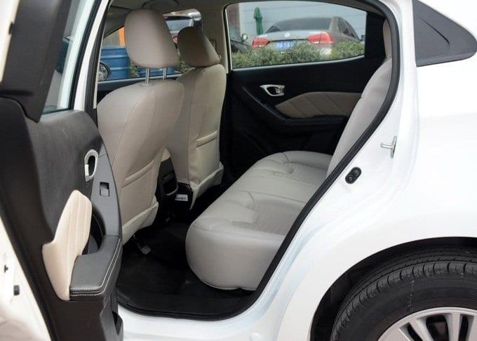 China Car Rental Trumpchi-Featured 4