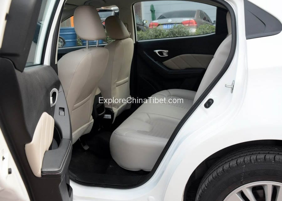 China Car Rental Trumpchi-Rear Seats 3