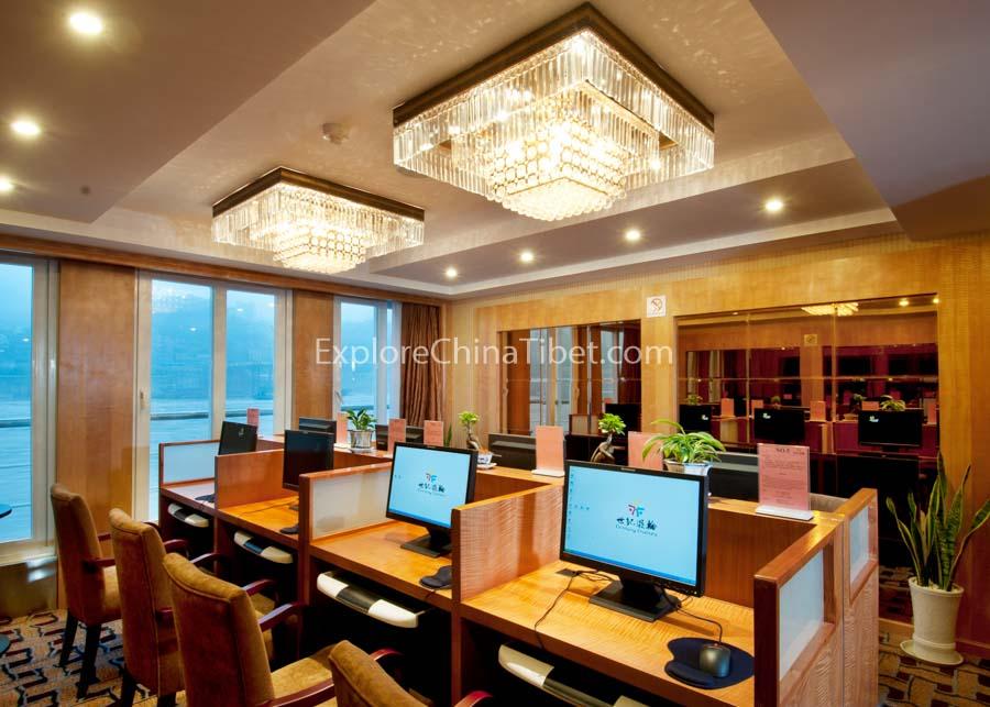 Chongqing to Yichang Century Emerald Cruise 5-10