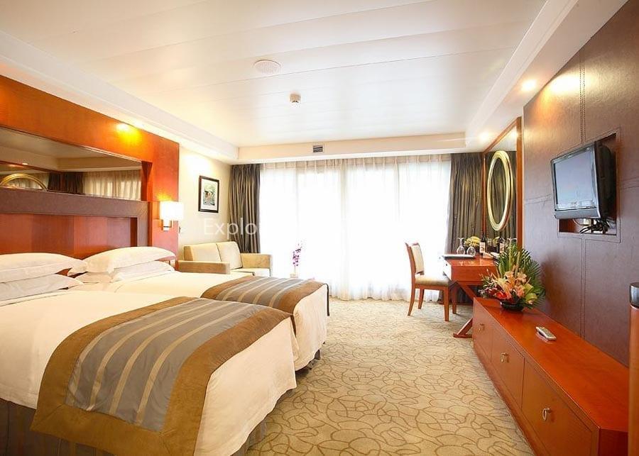 Chongqing to Yichang Century Emerald Cruise Deluxe Suite