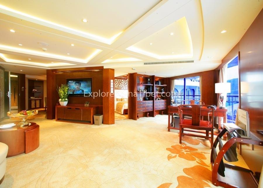 Chongqing to Yichang Century Legend Cruise Presidential Suite