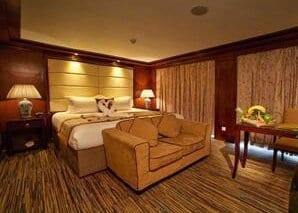 Chongqing to Yichang Victoria Anna Cruise Deluxe Suite