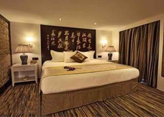 Chongqing to Yichang Victoria Anna Cruise Shangri-La Suite