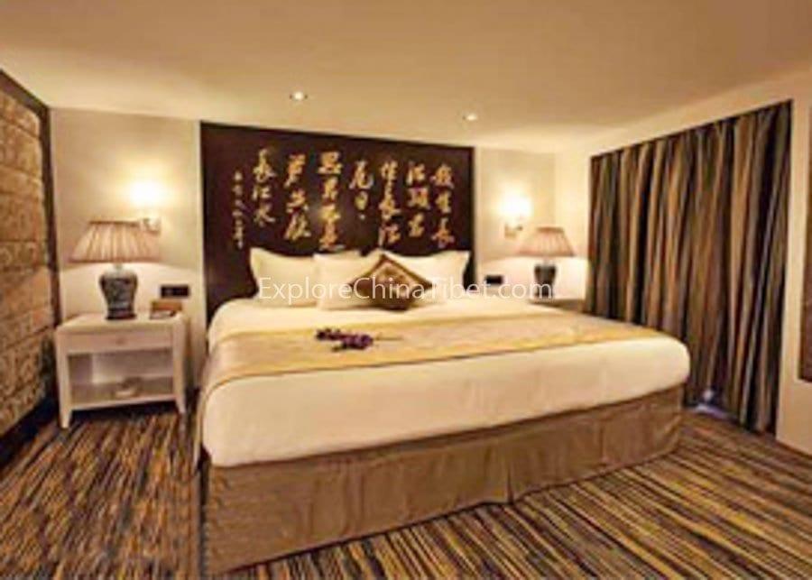Chongqing to Yichang Victoria Jenna Cruise Shangri-La Suite