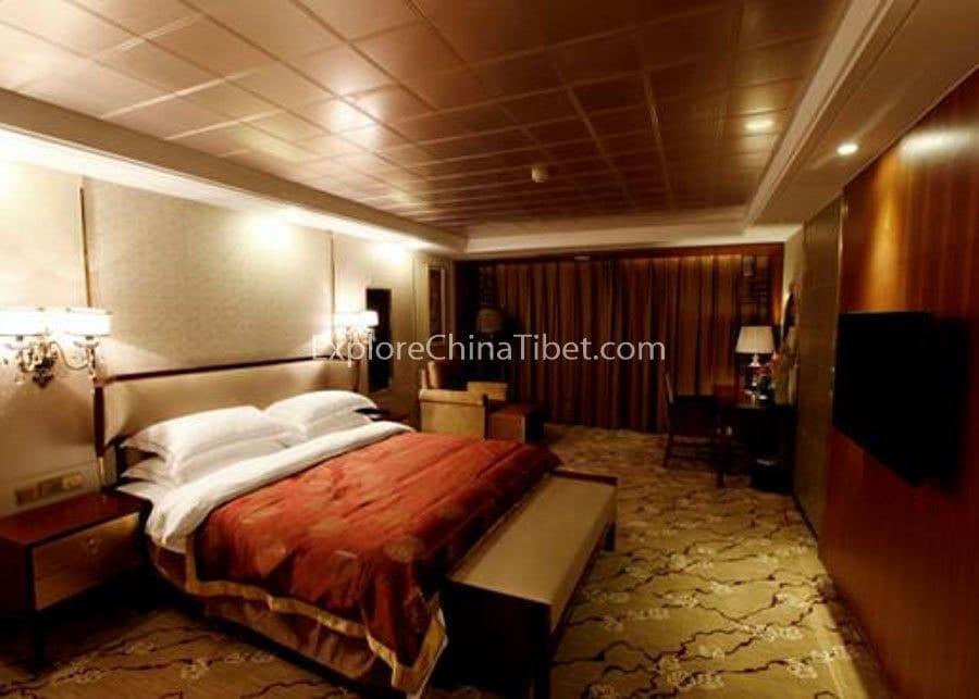 Chongqing to Yichang Yangtze Gold 6 Cruise Deluxe King-size Bed Cabin