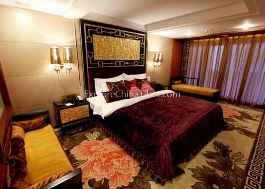 Chongqing to Yichang Yangtze Gold 6 Cruise Deluxe Suite