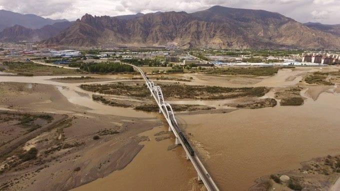 Golmud to Lhasa Inbound Train Featured