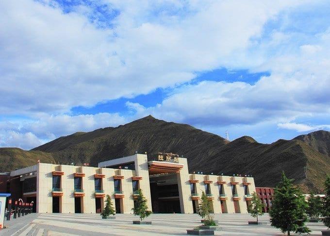 Hong Kong to Lhasa Train Featured