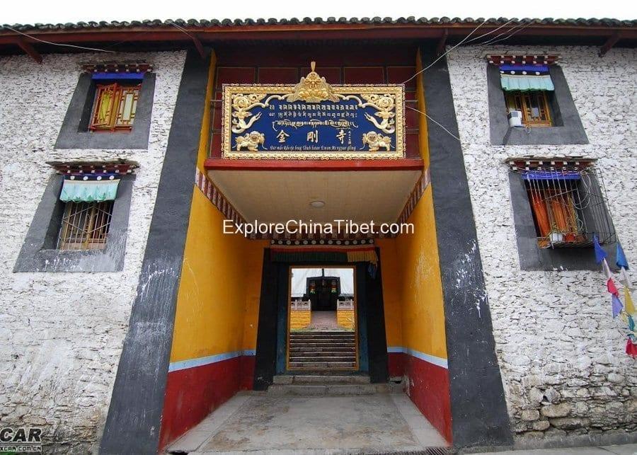 8 Days Kangding Hiking Tour-Jingang Monastery