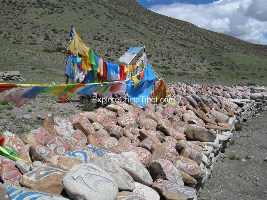 Mysterious Mani Stones in Tibet Kailash tour