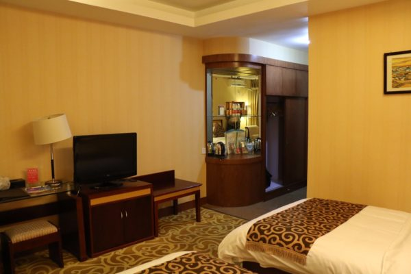 Nyingchi Fengqing Hotel Deluxe Business Suite