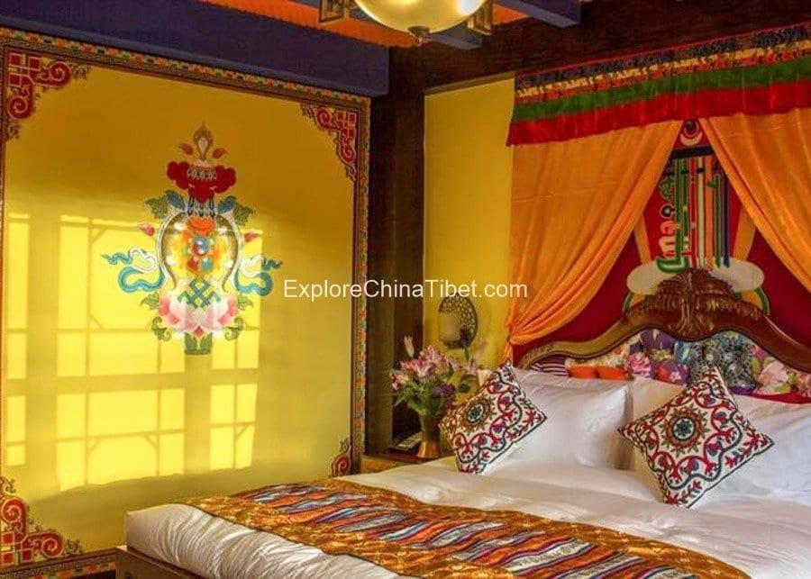 Rhasa Hotel Deluxe Queen Room