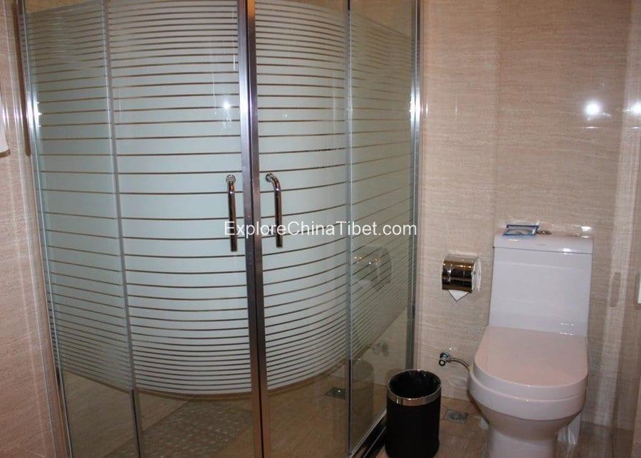 Tashi Choeta Hotel Deluxe Triple Room