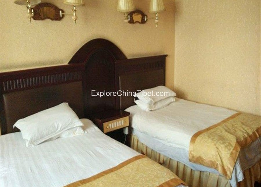 Bomi Shenying Hotel Deluxe Triple Room