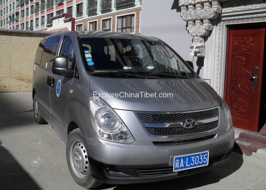 Tibet Car Rental Korea Hyundai Van-Appearance 7