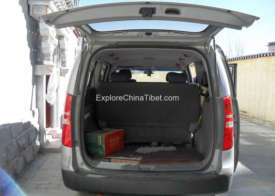 Tibet Car Rental Korea Hyundai Van-Interior 2
