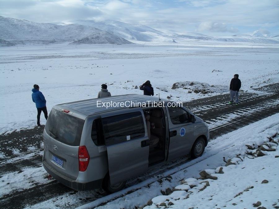 Tibet car rental service with lcoal