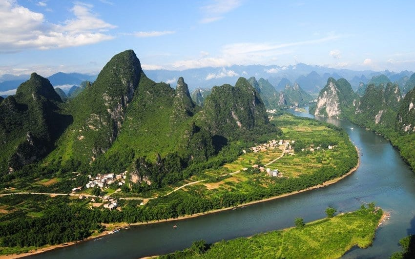 Top 10 Must-see Sightseeing Spots in Guilin-Scenery of Li River from Xianggong Hill