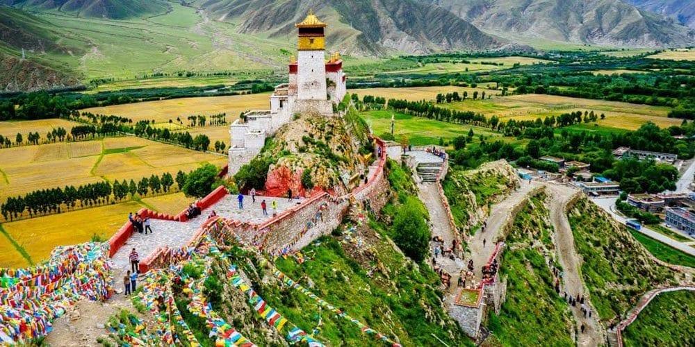 Visit to Tibet Yumbulakang palace in Tsetang