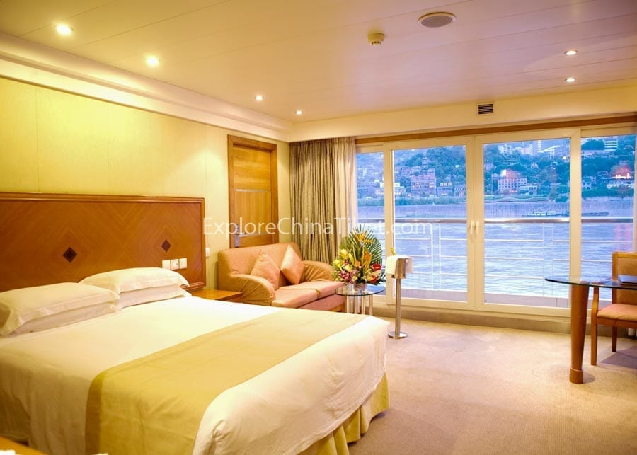 Yichang to Chongqing Century Sky Cruise Deluxe Suite