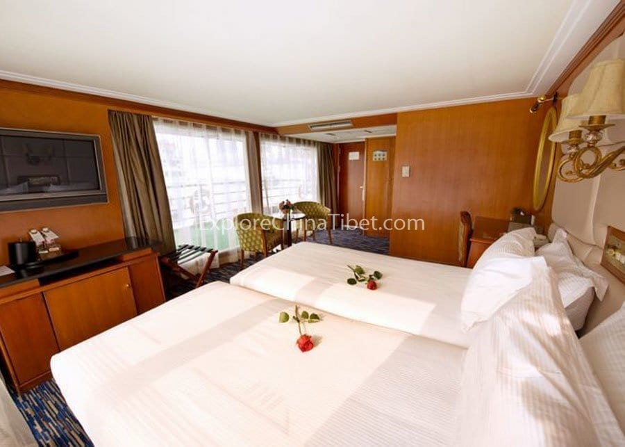 Yichang to Chongqing Victoria Selina Cruise Executive Suite