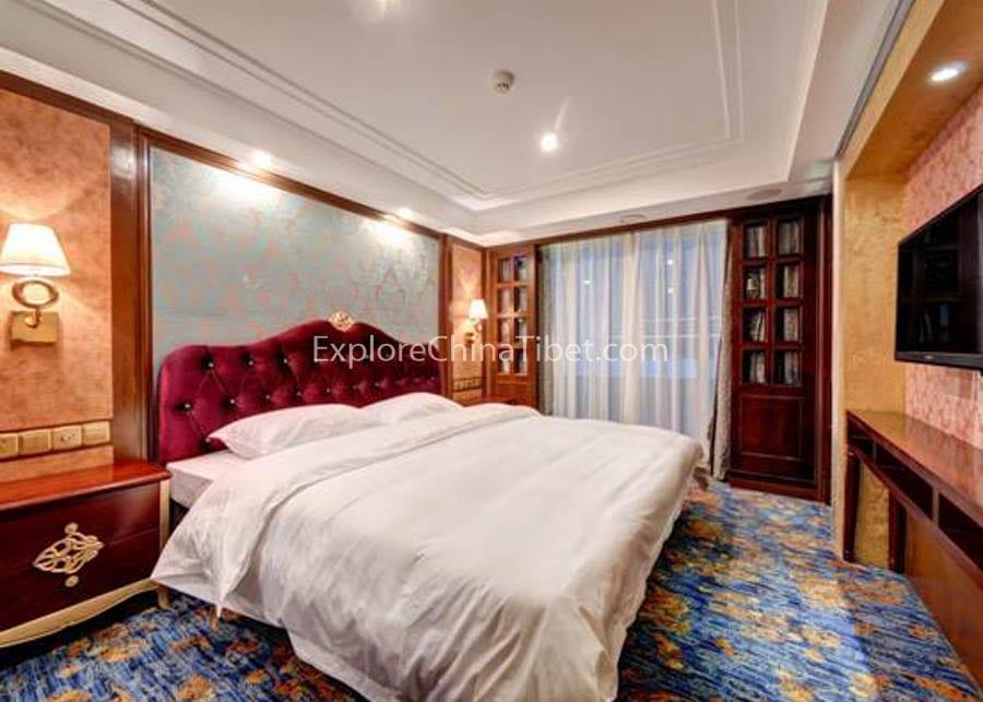 Yichang to Chongqing Yangtze Gold 8 Cruise Executive King-size Bed Cabin