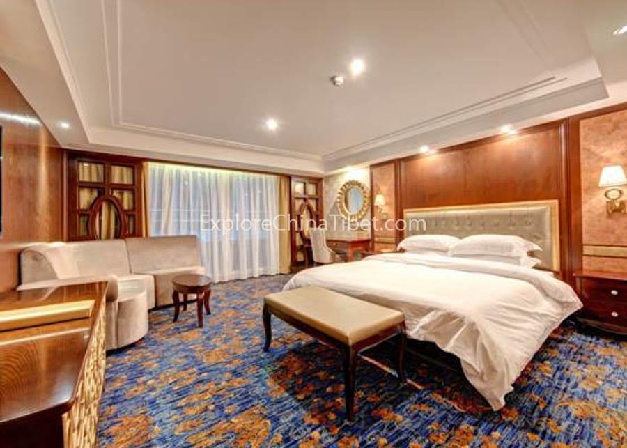 Yichang to Chongqing Yangtze Gold 8 Cruise Executive Suite