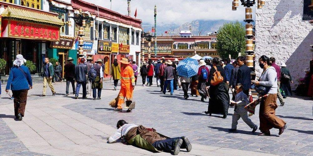 barkhor street travel Lhasa Tibet