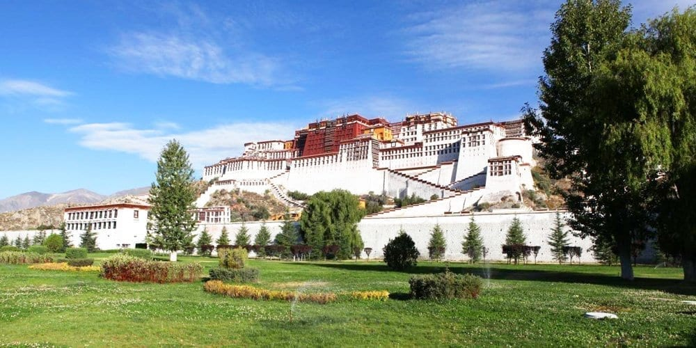 potala palace Famous Lhasa attraction tour