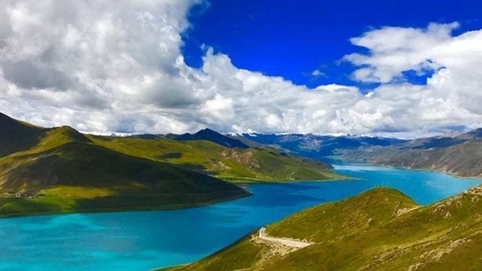 Lhasa Yamdrok Lake Landscape highlight tour