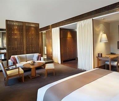 The St. Regis Resort Lhasa is the best hotel in Tibet-book now