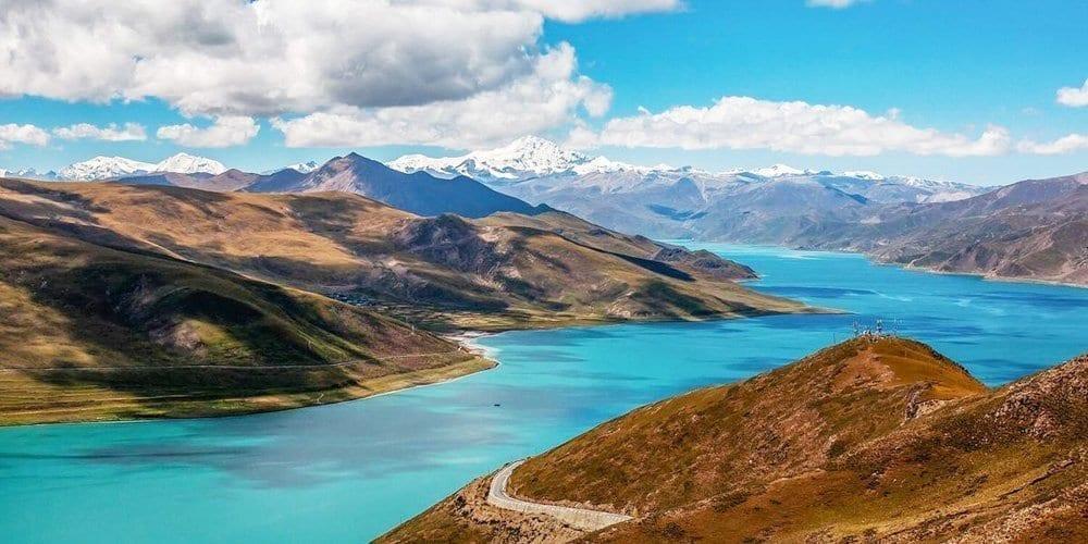 Tibet Landscape tour to visit Yamdroktso lake