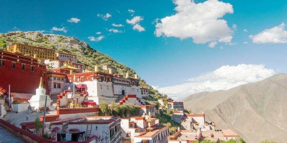 Tibet Ganden monastery tour