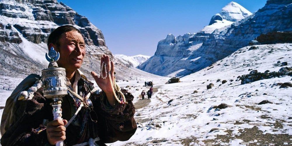 kailash tour-road to Tibet