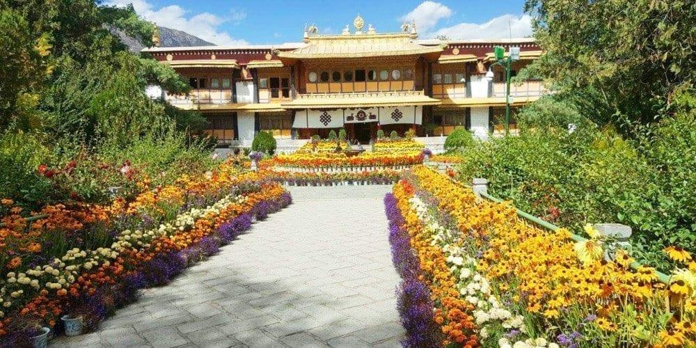Lhasa Norbulingka Tour Summer Palace of Dalai Lama